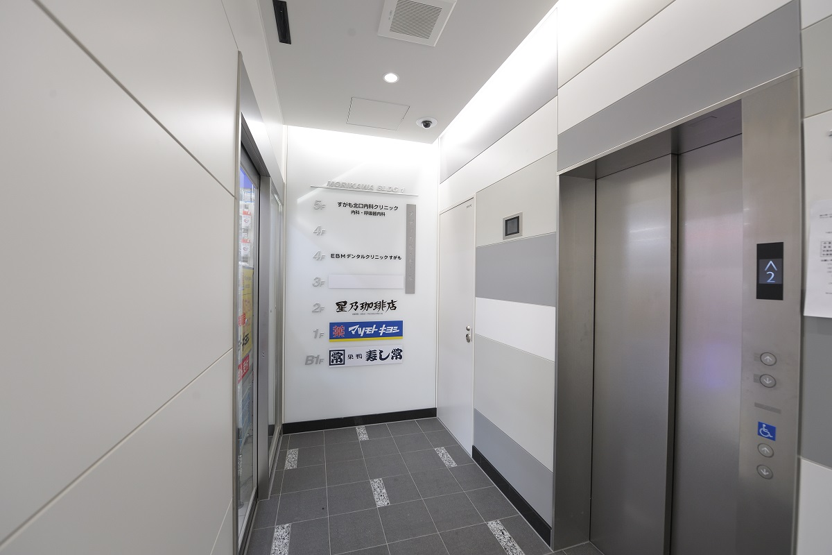 ビル1Fエレベーター